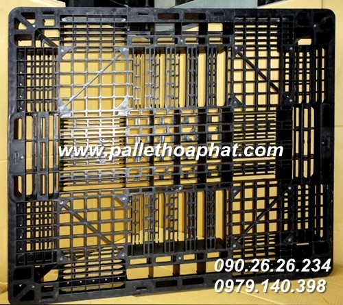 pallet-nhua-mau-den-1100x1300x120mm-01