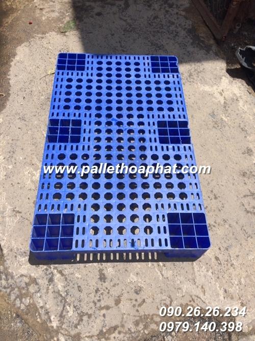 pallet-nhua-mau-xanh-600x1000x100mm-1