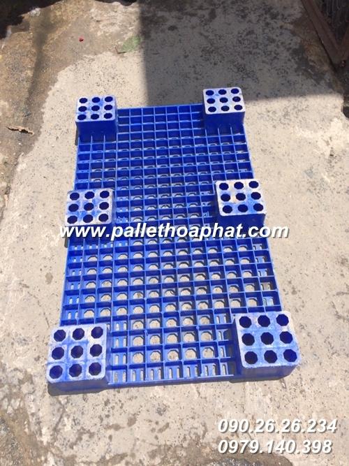 pallet-nhua-mau-xanh-600x1000x100mm-2